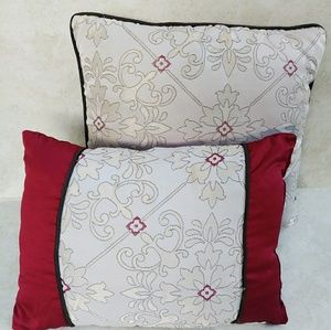 Other - Decorative Pillows 2pc